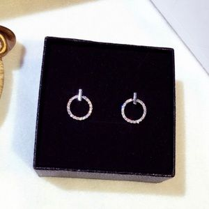Free earrings with $100+ purchase